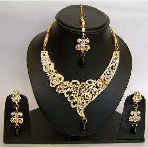 Gold Diamond Bollywood Jewelry Set NP-423 Image