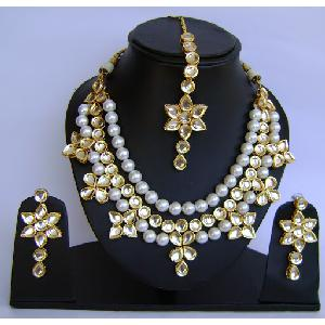 Gold Diamond Bollywood Jewelry Set NP-426 Image