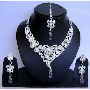 Gold Diamond Bollywood Jewelry Set NP-431 Image