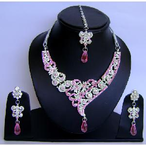Gold Diamond Bollywood Jewelry Set NP-433 Image