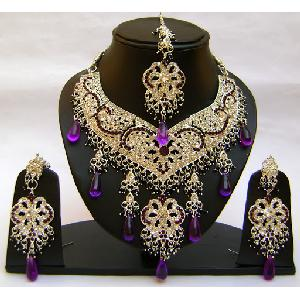 Gold Diamond Bridal Jewelry Set NP-354 Image
