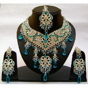 Gold Diamond Bridal Jewelry Set NP-356 Image