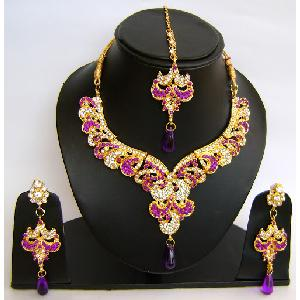 Gold Diamond Bridal Jewelry Sets NP-447 Image